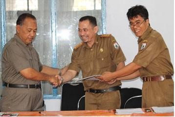 Dinas Kesehatan Provinsi Sulawesi Barat serahkan DIPA ke Pengelola Program